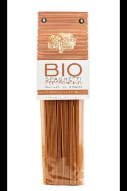 pirospaprikával színezett bio spagetti